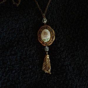"Jewelry - *Vintage* 16"" Necklace"
